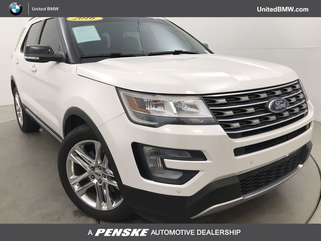 Pre-Owned 2016 Ford Explorer FWD 4dr XLT